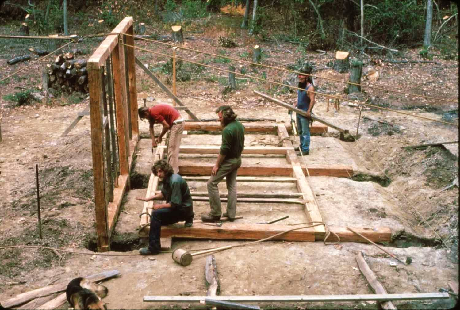 Reconstructing an earthfast building at the Godiah Spray Tobacco Plantation, 1983